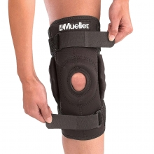 Mueller Hinged Wrap-Around Knee Brace